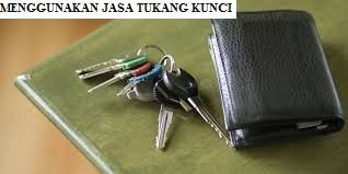 Menggunakan Jasa Tukang Kunci